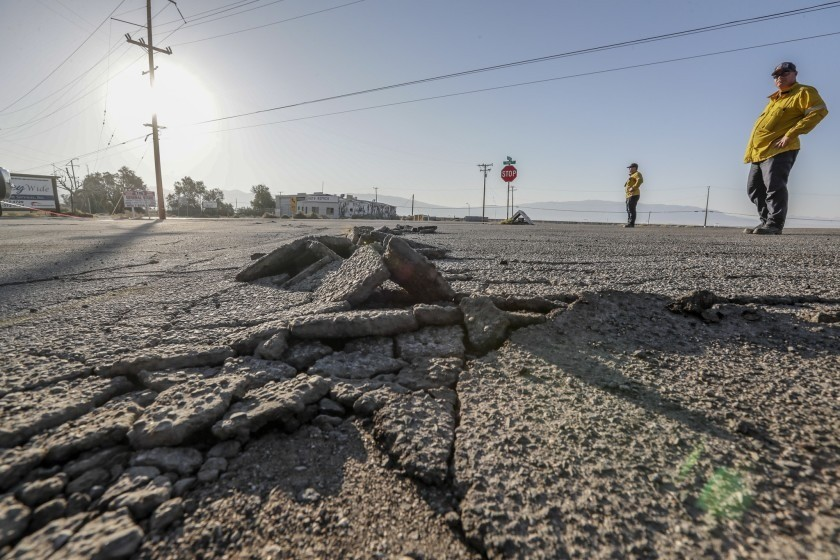 3.7 magnitude earthquake shakes Los Angeles, triggers about a dozen burglar alarms