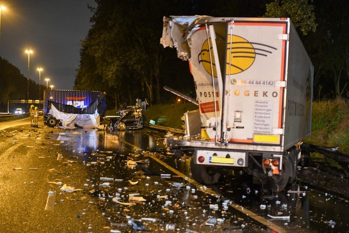 Netherlands: A20 closed in two places due to accidents
