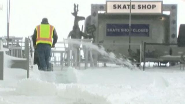 Fox news today: Coast-to-Coast storms threaten Thanksgiving travelers