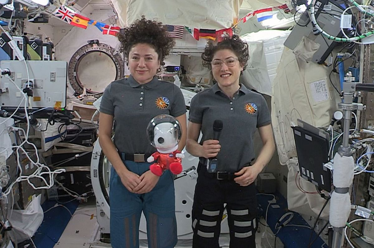 Political News: Astronaut Snoopy Floats on Space Station, Flies in Macy's Thanksgiving Day Parade – Space.com