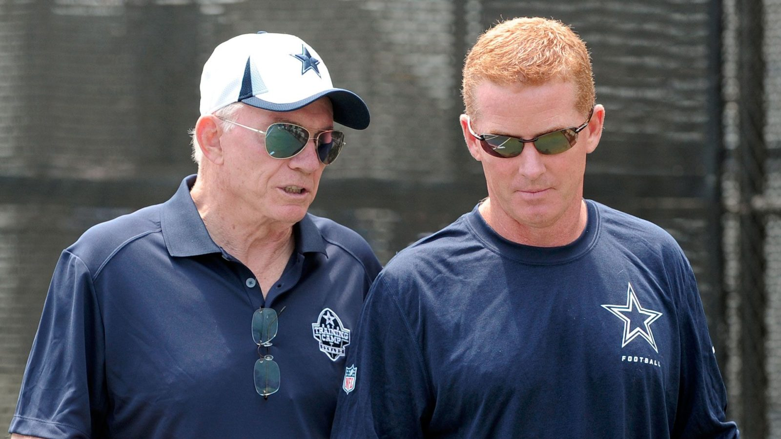 Latest News: Cowboys owner Jerry Jones says he's sticking with Jason Garrett – ESPN
