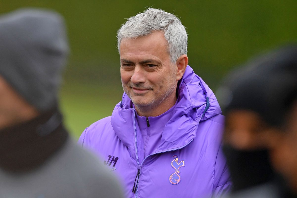 Jose Mourinho responds to Arsenal rumours after Unai Emery sacking and says he's 'so happy' at Tottenham
