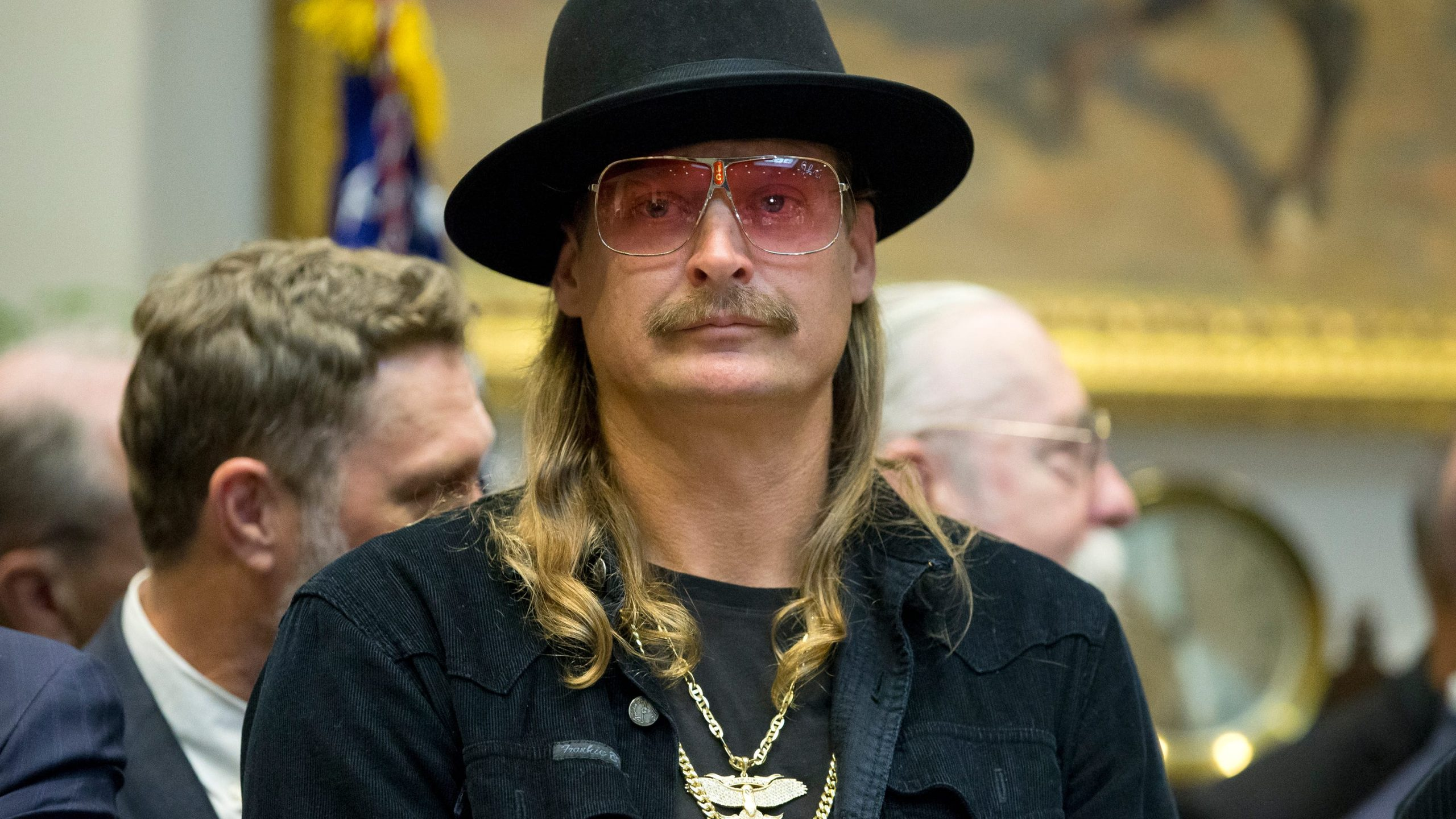 Latest in Music Kid Rock unleashes profanity-filled stage tirade against Oprah, follows up with tweet – USA TODAY