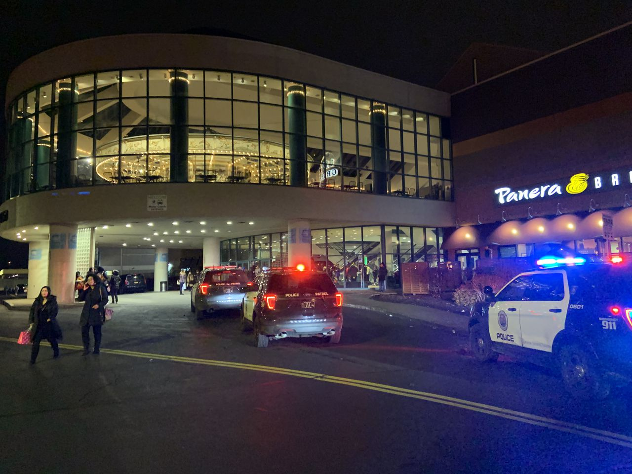 Update: Chaos after shots fired at Destiny USA on Black Friday; mall is closed for day – syracuse.com
