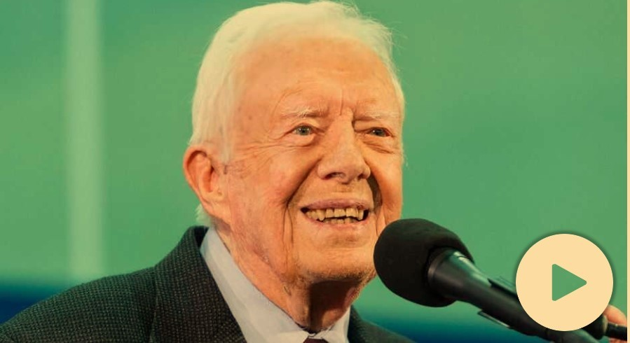 Jimmy Carter,the oldest living former president in history, appeared in good spirits whenhe addressed Sunday school at Maranatha Baptist Church in Plains, Ga., two weeks after hefell and fractured his pelvis.