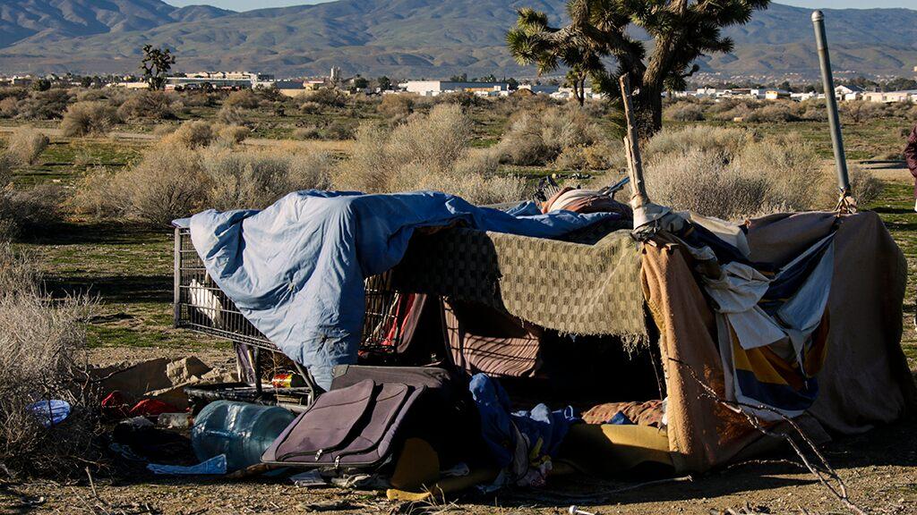 Fox News Today: California city considers ban on feeding homeless on public streets, sidewalks, parking lots
