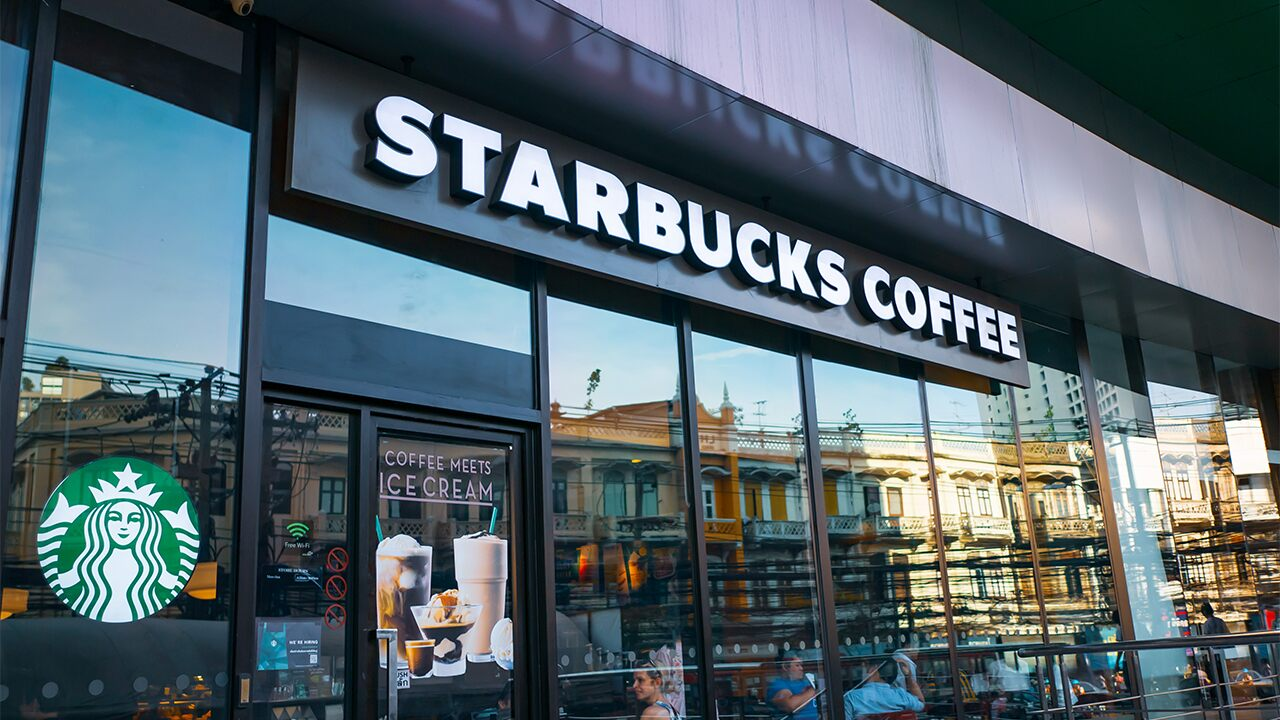 Fox News Today: Starbucks apologizes after 2 uniformed California deputies were allegedly refused service