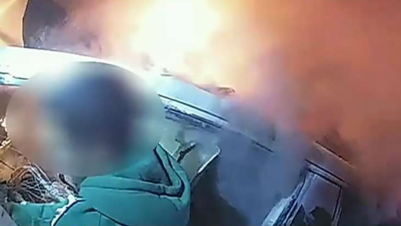Fox News Today: Texas deputies, in dramatic video, free trapped driver from burning car
