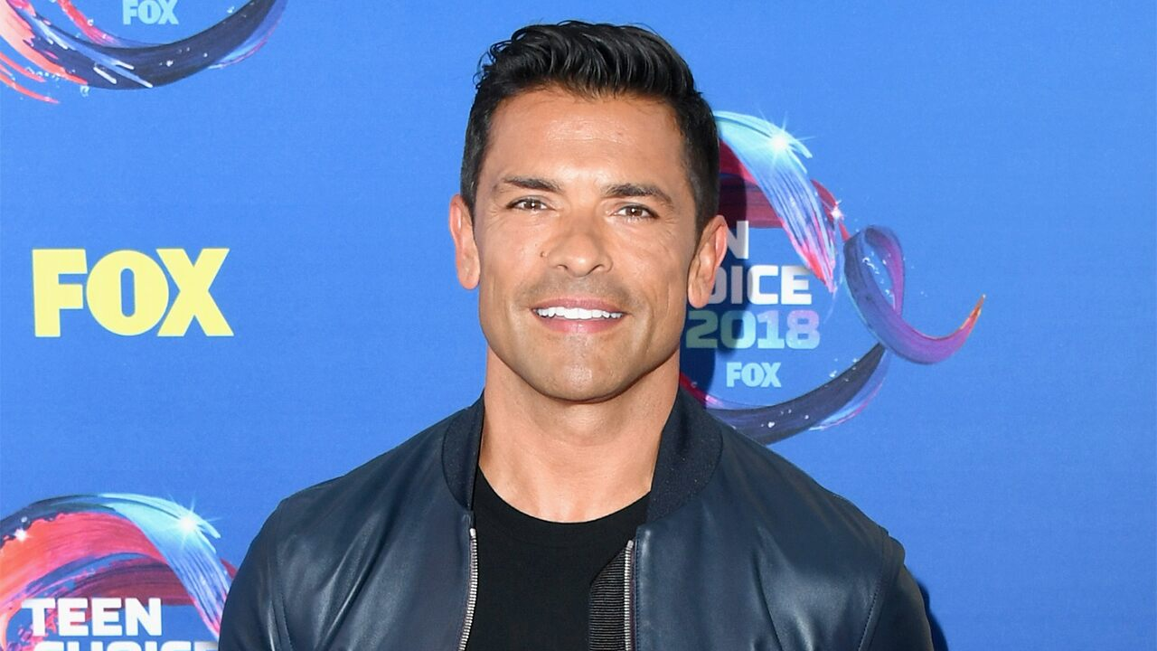 Fox News Today: Mark Consuelos rushes to son's aid during wrestling match gone wrong