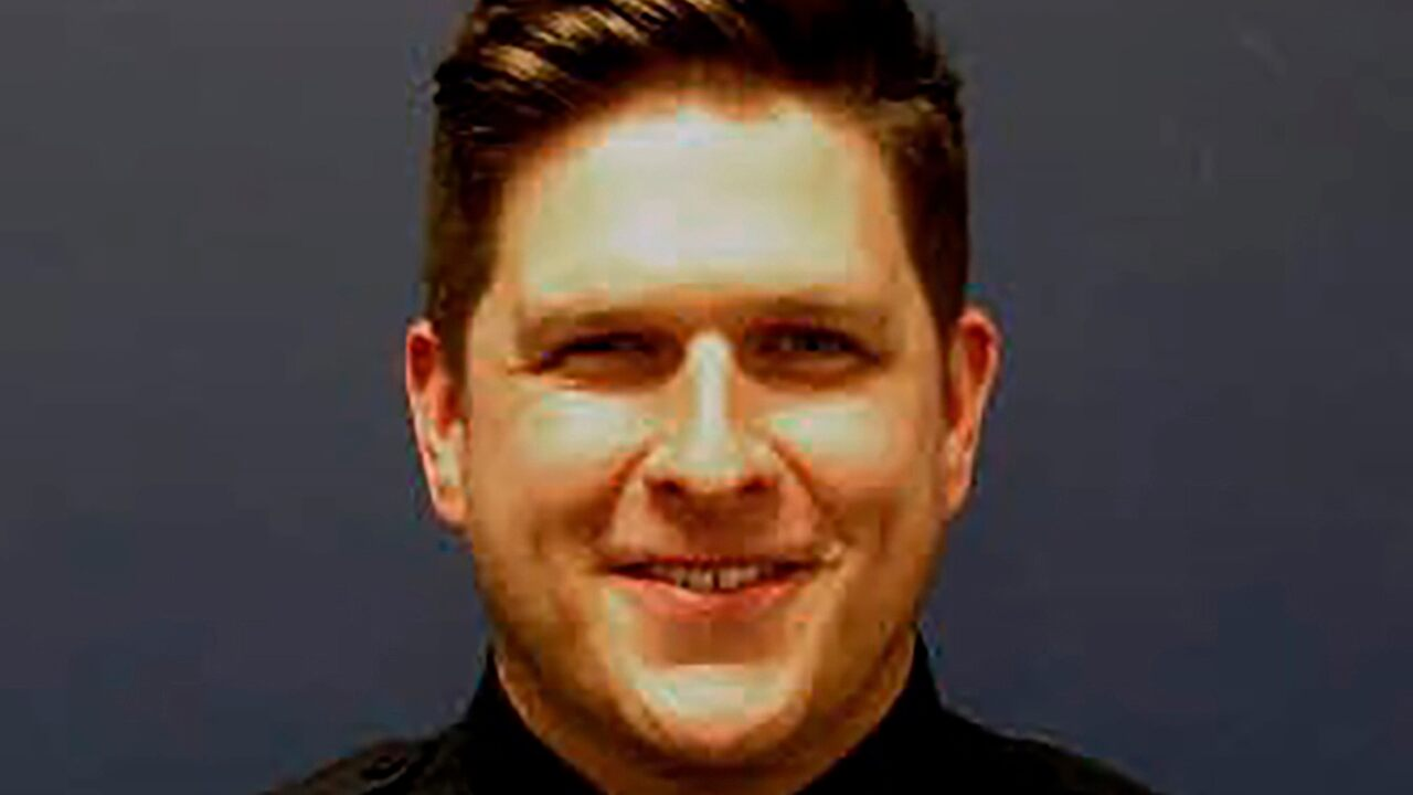 Fox News Today: Houston police officer fatally shot while responding to domestic dispute; suspect in custody