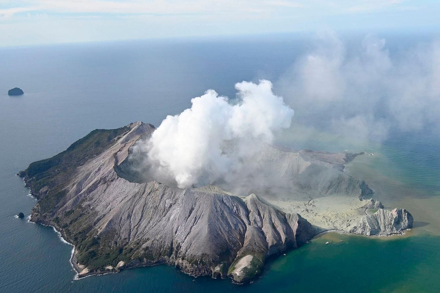 Latest News: One dead, many missing, after volcanic eruption on New Zealand island popular with tourists – The Washington Post