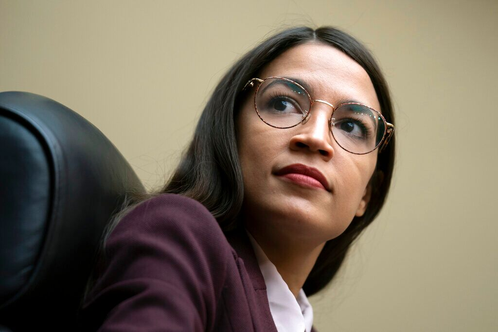 aoc-riles-dems-by-refusing-to-pay-party-dues,-bankrolling-colleagues'-opponents