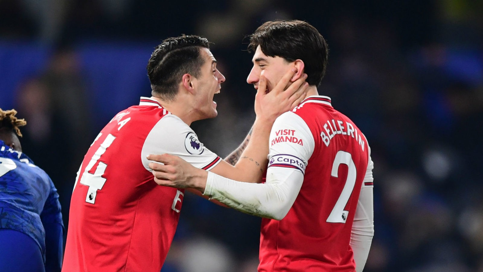 chelsea-2-2-arsenal:-bellerin-salvages-dramatic-draw-for-10-man-gunners