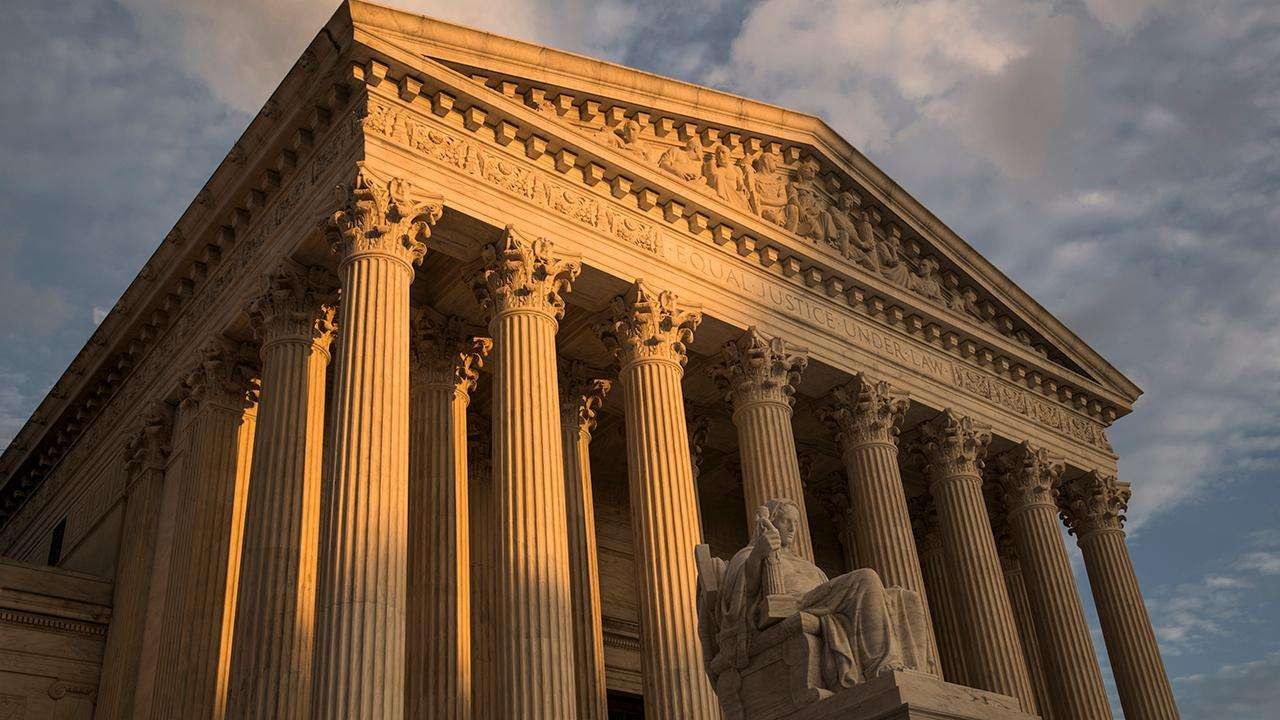 supreme-court-allows-trump-administration-to-enforce-'public-charge'-immigration-restriction