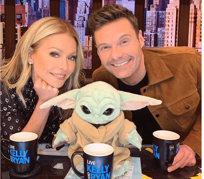 """Kelly Ripa revealed she quit drinking alcohol around the same time Ryan Seacrest became her co-host on """"Live"""" but the two are just a coincidence."""