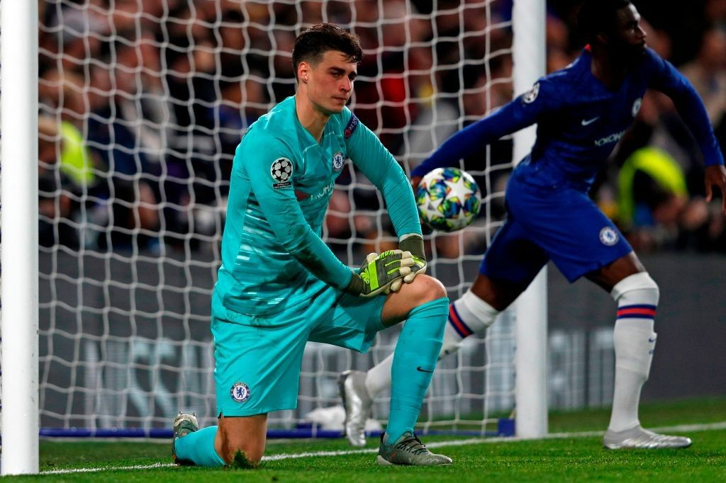 Chelsea goalkeeper Kepa Arrizabalaga put in another poor performance for the club last night, sparking more doubts over his future at the club.