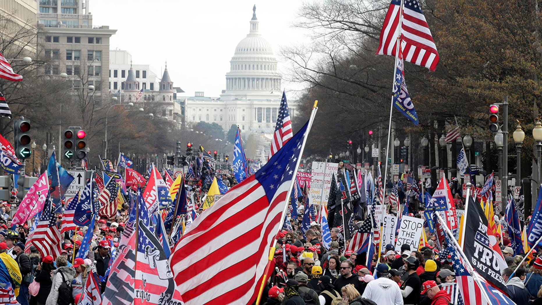 Mayhem in Washington, DC, as Trump supporters, opponents clash; at least 4 stabbed, 23 arrested
