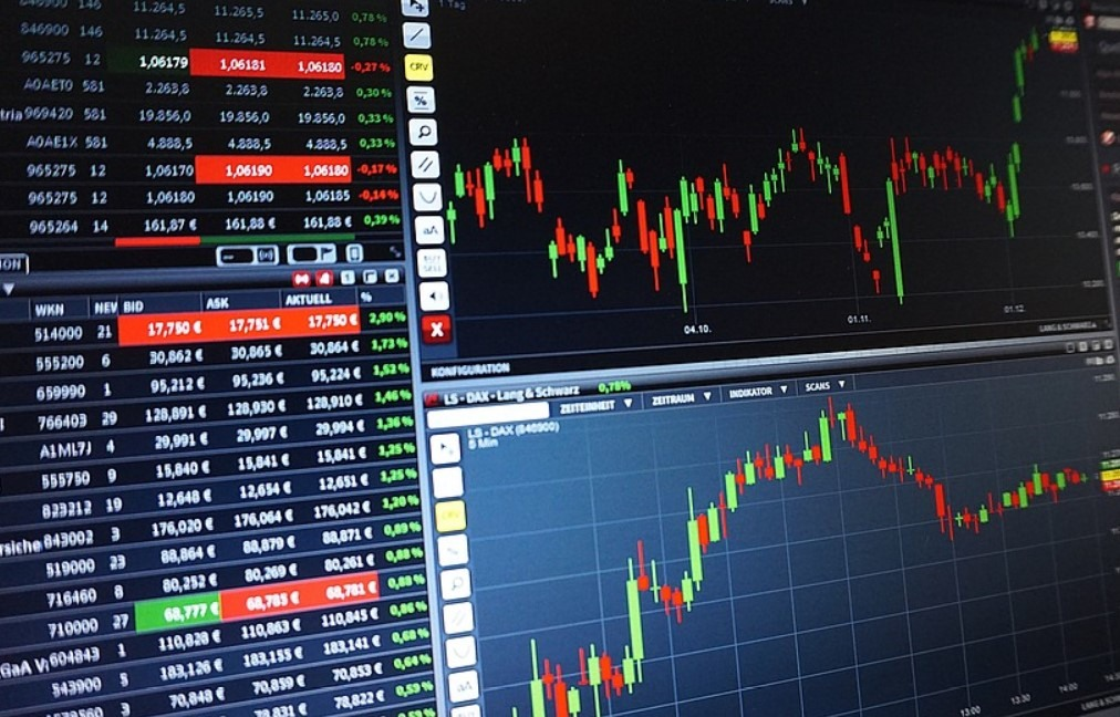 Can stock brokers make millions?