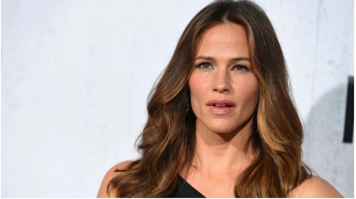 Jennifer Garner is open to 'Alias' reboot: 'Sign me up'