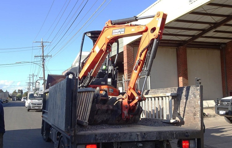 The types of industries that utilize excavators and their many uses