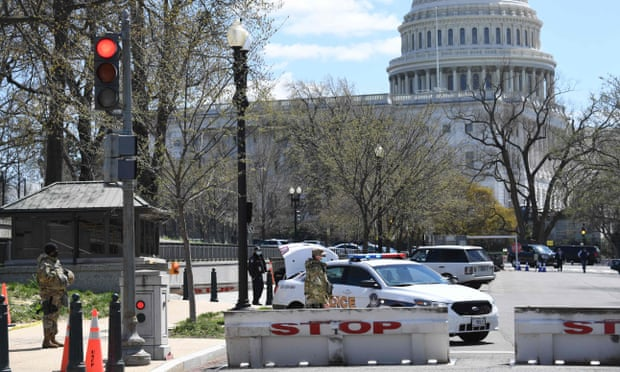Vehicle rams barrier, heavily injuring 2 Officers in the Capitol security incident