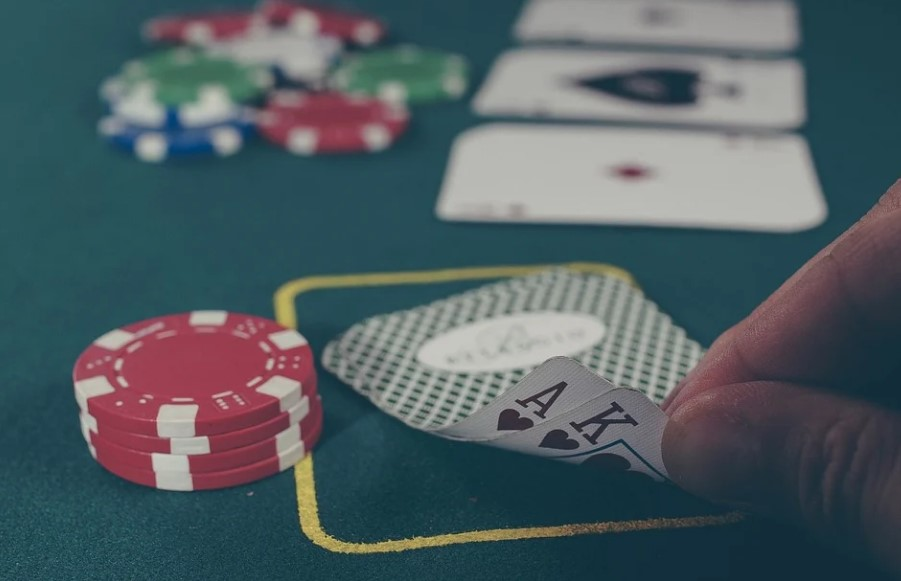 Advantages to Play Games at Online Live Casino Singapore 2021